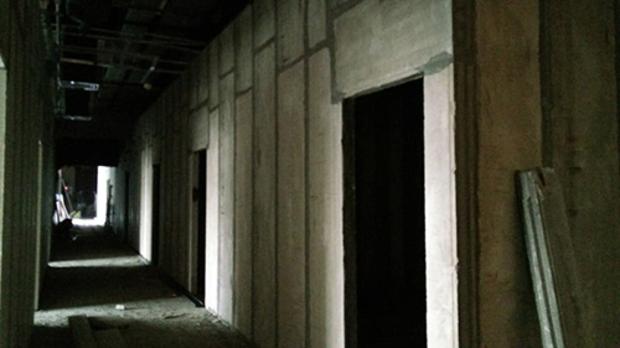 加气轻质隔墙板的安装步骤