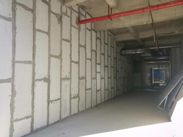 轻质隔墙板相较于传统砌砖墙体的众多优势性能